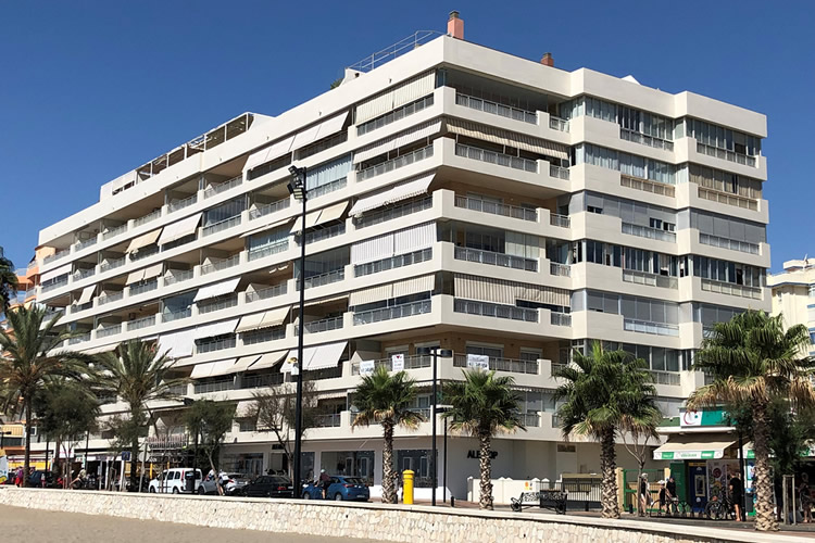 Maritime building (Fuengirola)
